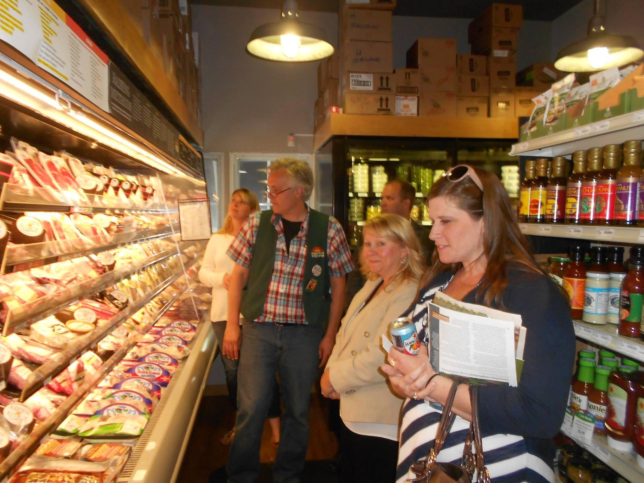 A LOOK AT Food Cooperatives